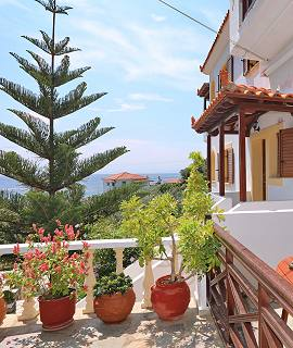 Niki Studios Apartments on Skopelos Island